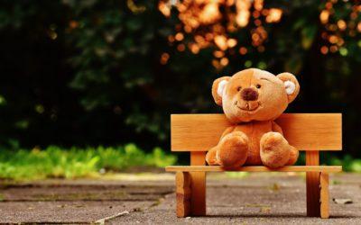 Comment prendre soin des animaux en peluche développe l'empathie des enfants