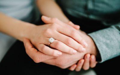 Bague de fiançailles : quelle pierre précieuse choisir ?